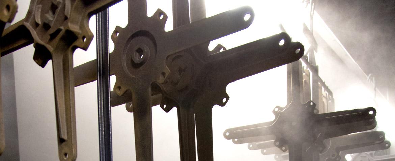 Produzione tavoli sedie sgabelli contract arredamento d for Vela arredamenti